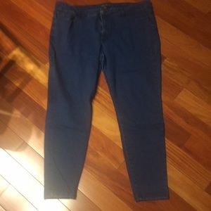 Forever 21+ size jeans size 18